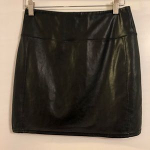 Aritzia Skirts - Wilfred Free faux leather skirt (size small)